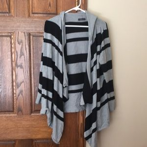 Light weight hooded tunic